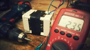 multimeter to test auto batteries